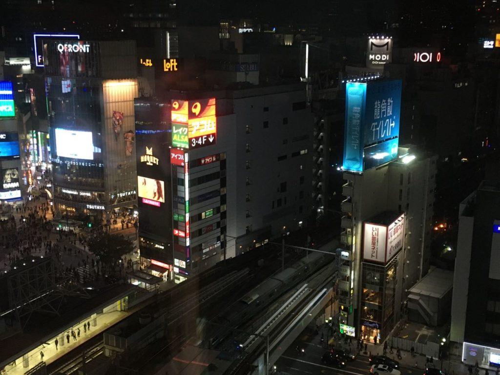 渋谷TSUTAYA シェアラウンジから山手線の眺め